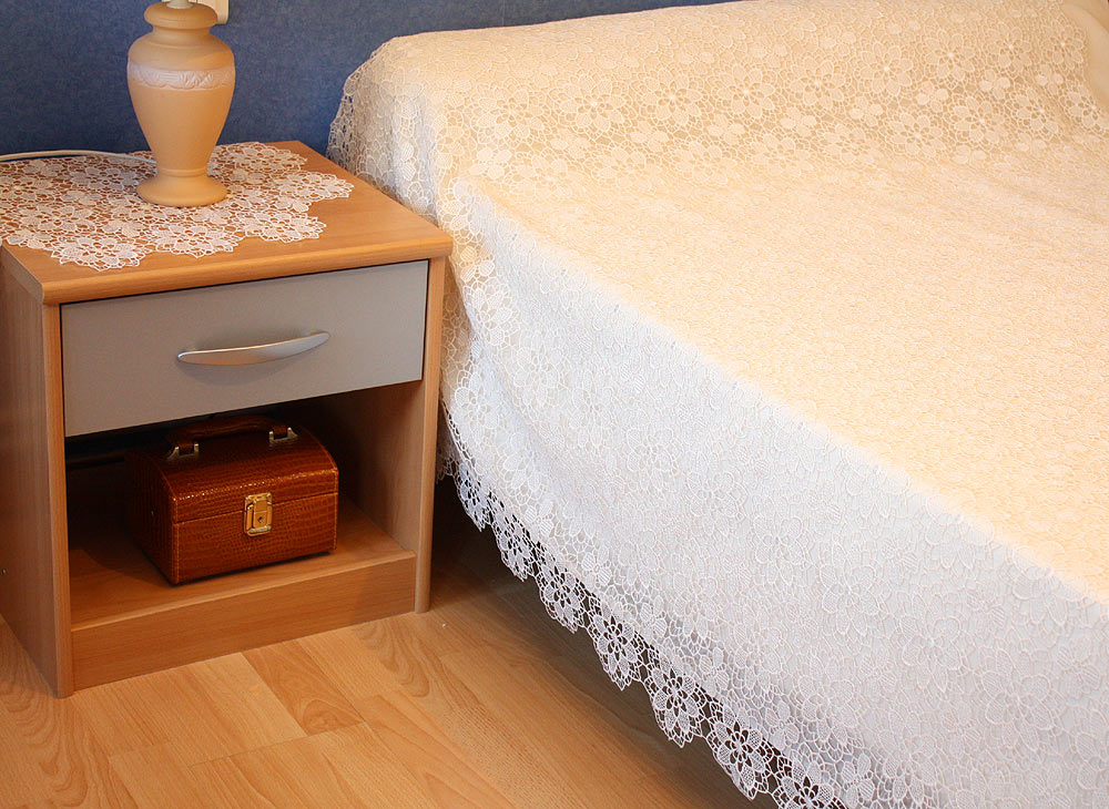 couvre lit macram brod aspect dentelle. Black Bedroom Furniture Sets. Home Design Ideas