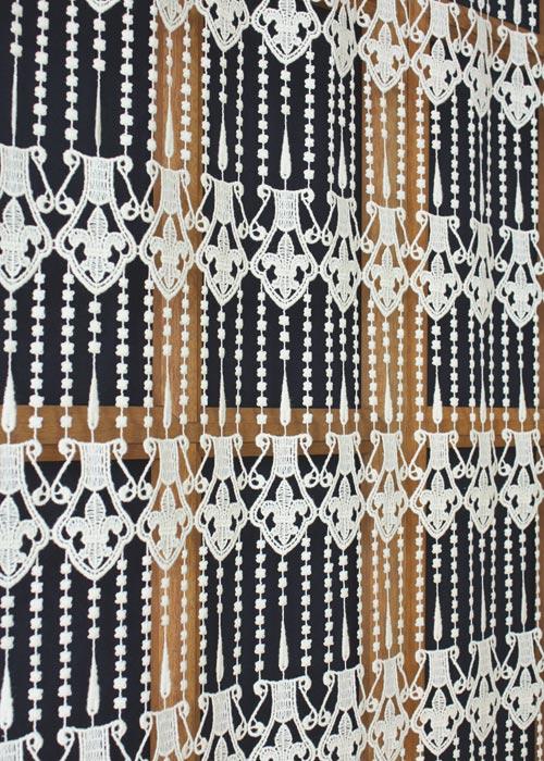 brise bise macram motif fleur de lys. Black Bedroom Furniture Sets. Home Design Ideas