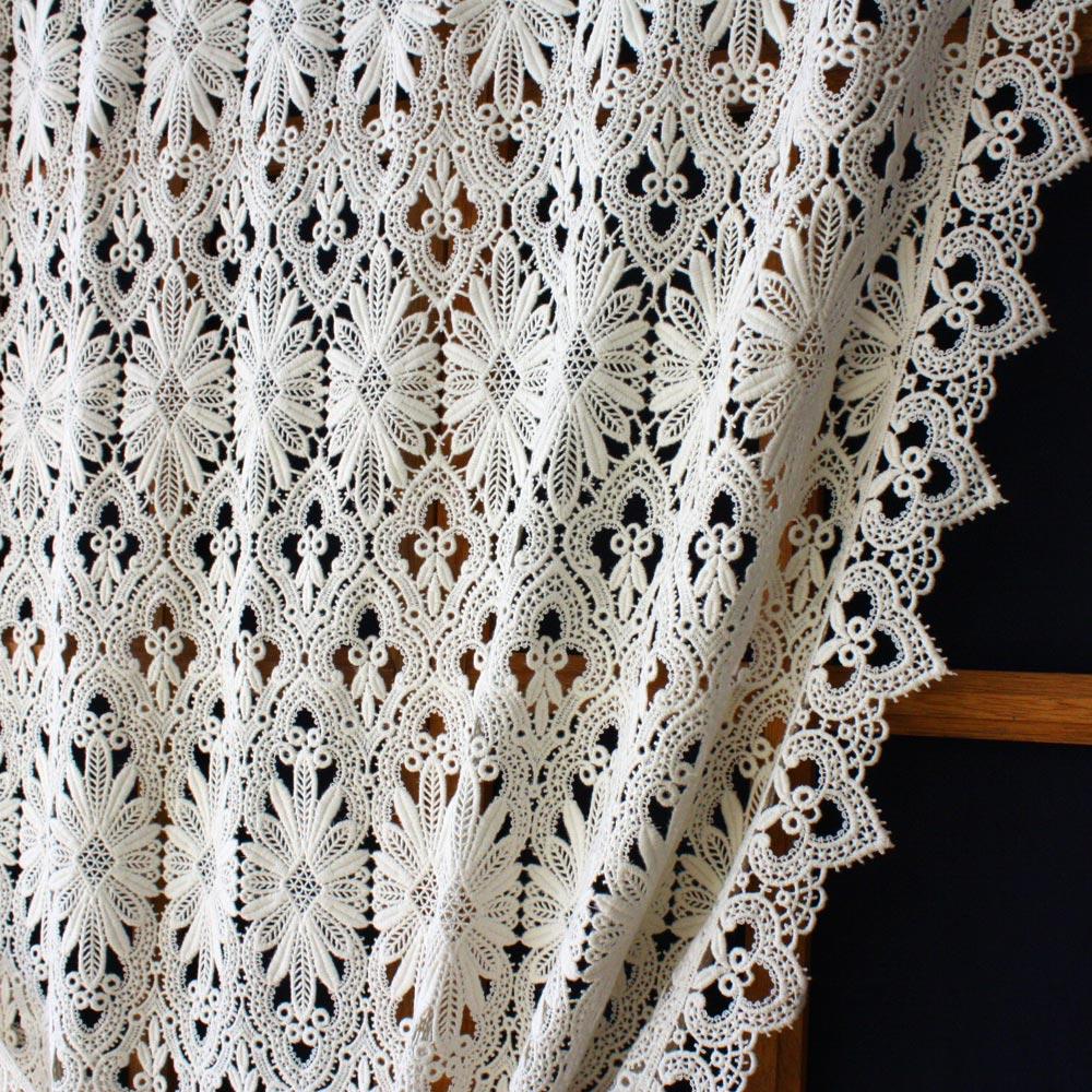 rideau macram sur mesure aspect crochet. Black Bedroom Furniture Sets. Home Design Ideas