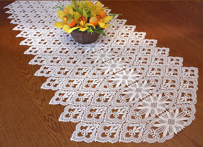 Chemin de table aspect crochet